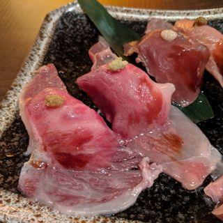 炙り肉寿司4種盛り合わせ(すき焼き・牛タン いぶり 神田店)