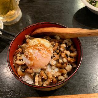 刻み煮穴子丼 温玉のせ(魚串さくらさく 三田店 )