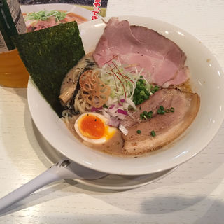 鶏濃厚ラーメン(麺や 齋とう)
