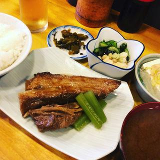 本マグロのど元うま煮定食(瀧元 )