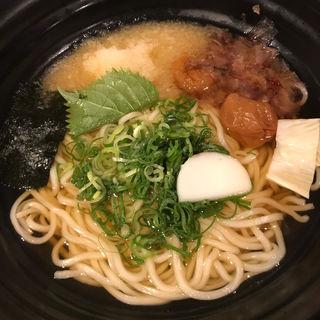 梅干しのおうどん(つるとんたん 東京ビル店 )