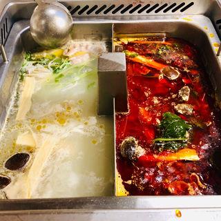 二種類火鍋(白湯&麻辣)(海底撈火鍋 赤坂店)