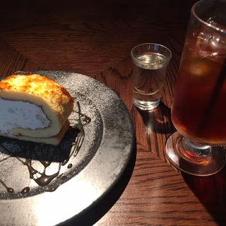 ロールケーキセット(カフェ BAMBOOHOUSE)