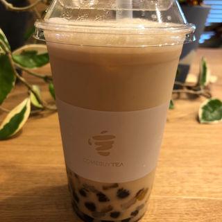 ローステッドウーロンティー+エバミルク+もちもちダブル(COMEBUY TEA    カムバイティー  表参道店)