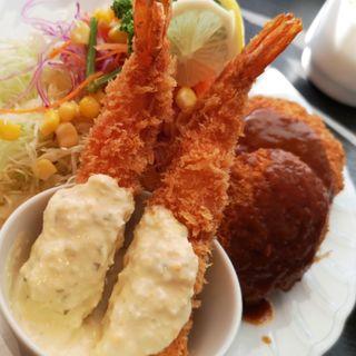 蟹クリームコロッケとエビフライ