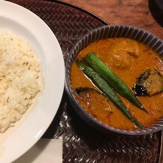 鶏手羽元と茄子のインド風カレー(パンチマハル )