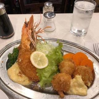 有頭えびと帆立のフライ(レストラン桂 (カツラ))