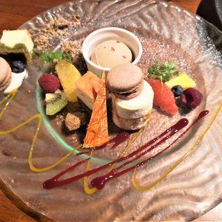 本日のデザート5種盛り合わせ(バリラックス ザ ガーデン 梅田 (BALILax Marubiru Garden Cafe))