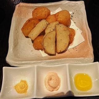 米粉で揚げたきたあかりと長芋のポテトフライ(隠れ房 川崎店)