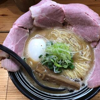 鶏白湯スープ使用 鶏しょうゆらーめん(極麺 青二犀 (ゴクメン アオニサイ))
