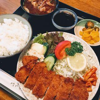 ロースかつ定食(香楽 大塚店 )