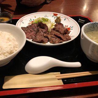 牛たん焼き二種盛り合わせ定食(牛たん焼き 仙台 辺見 キャナルシティ博多店)