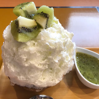 キウイのかき氷(はちみつ)