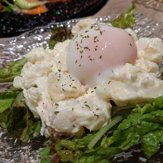 とろっと温泉卵とクリームチーズのポテトサラダ(UNIVERSAL CRAFT JAPAN)