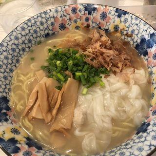 限定麺 鶏白湯ワンタン麺(ざいとん )