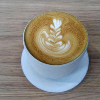 カフェラテ(ブルーボトルコーヒー 清澄白河 ロースタリー&カフェ (Blue Bottle Coffee))