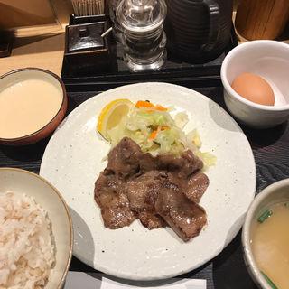 牛タン朝定食(たんやHAKATA)