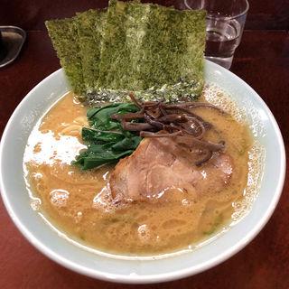ラーメン(横浜ラーメン 壱鉄家 )