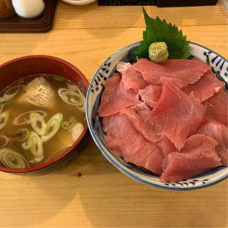 塩竈三陸ひがしもの丼(メバチマグロ)(まぐろ屋  やまもと)