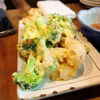 エビとブロッコリーのカレーマヨ炒め(お好み焼き うめ月 )