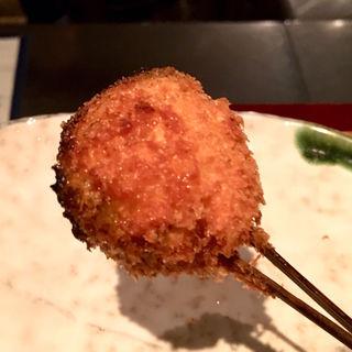 黒胡麻豆腐のベーコン巻き(串揚げ)(串揚げ ふくみみ)