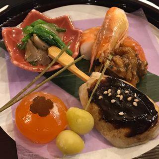 松茸浸し 海老煮 味噌胡桃 餅銀杏 柿玉子味噌漬 松葉蕎麦 里芋串田楽(ホテル せくみ屋 )