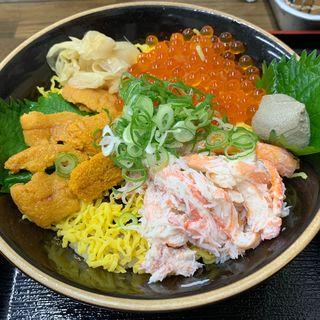 海物語丼(山芳亭 )