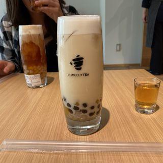 ほうじ茶+ミルク+2種タピオカ (COMEBUY TEA    カムバイティー  表参道店)