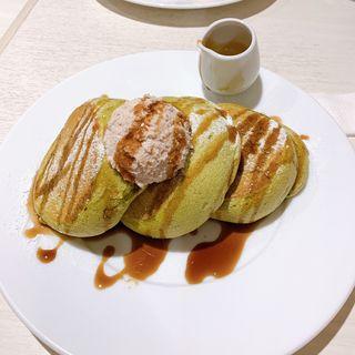 京都店限定の有機抹茶の小倉バターパンケーキ黒蜜添え(幸せのパンケーキ 京都店)