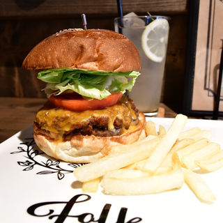 Folky Smoky Cheese フォーキースモーキーチーズ(folk burgers&beers)