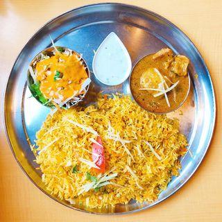 金・土・日のランチビリヤニ(追加:カレー小皿)(インディアンレストラン アールティ (Aarti))