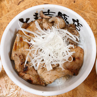 豚丼 (ロース)(とも吉飯店)