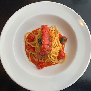 オマール海老とトマトの煮込みパスタ(欧風小皿料理 沢村 )