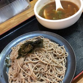 鯛だし・つけ蕎麦 (冷たい麺+温かいつけ汁)大盛(鯛だしらーめん・蕎麦 サクラ)