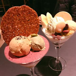 塩キャラメルとピスタチオ(パフェ、珈琲、酒 『佐藤』)