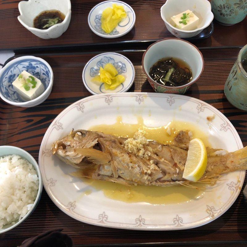 魚のバター焼き(仲泊海産物料理店 (ナカドマリカイサンブツリョウリテン))