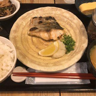 本日の塩焼き定食(梅山鉄平食堂 )