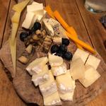 チーズ盛り合わせ(豚バルBYO-塊- 八重洲店)