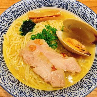 貝鶏豚の塩そば(ラーメン燈郎)