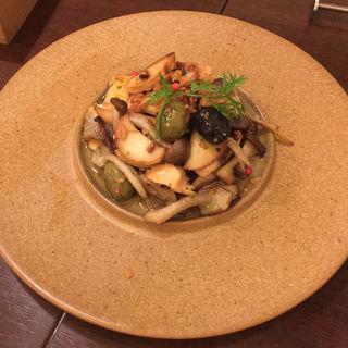 シャケと季節野菜のソテー(リストラットリア フィーロ)