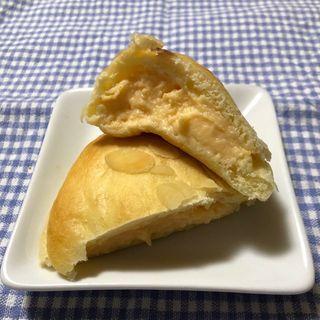 ブリオッシュのクリームパン (パン工房 まごころ )
