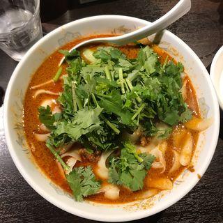 担々刀削麺(大)(刀削麺 張家 麹町店 )