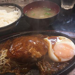 ハンバーグステーキ定食 アメリカン(木馬  )