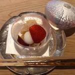 白つぶ餡、いちご、干し柿、白玉、さつま芋、抹茶(青草窠 (せいそうか))