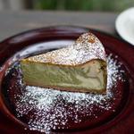 抹茶とホワイトチョコのベイクドチーズケーキ