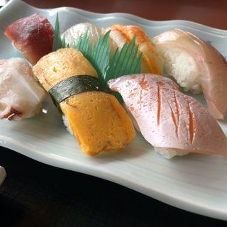 寿司のにぎり定食(寿司)(さんぞくや 東福岡店)