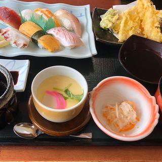 寿司のにぎり定食(さんぞくや 東福岡店)