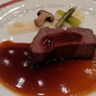 じっくり焼いた牛フィレ肉のローストと温野菜 赤ワインソース(帝国ホテル 大阪 )