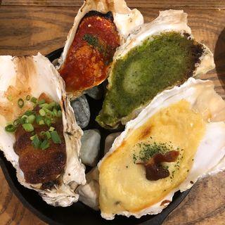 焼き牡蠣(グラタン・トマト・香草・味噌)(メリケンサカナ 名駅店)