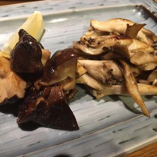 原木椎茸と舞茸のバター炒め(北○ すすきの店)